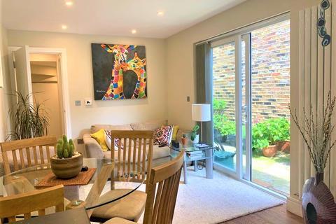 2 bedroom flat to rent - York Rd, Acton W3