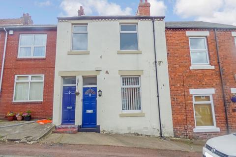 2 bedroom ground floor flat for sale - St. Thomas Street, Gateshead, Tyne and wear, NE9 5XA