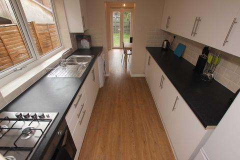 4 bedroom house to rent - Catherine Street, Reading