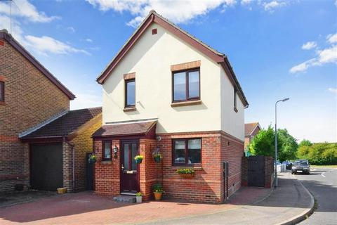 3 bedroom detached house for sale - Fletcher Drive, Wick Meadows, Wickford, Essex