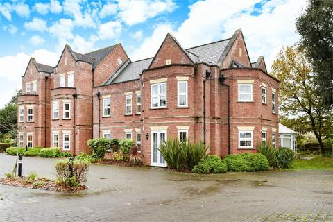 2 bedroom apartment to rent - Main Road, Otterbourne, Winchester, Winchester, Hampshire, SO21