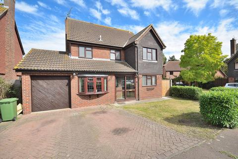 5 bedroom detached house for sale - Fairway Drive, Burnham-On-Crouch, Essex, CM0