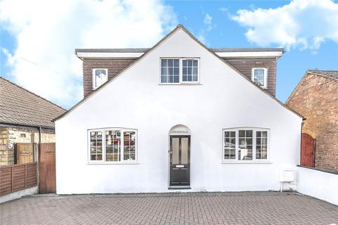 5 bedroom detached house for sale - Leederville, Uxbridge Road, Hillingdon, Middlesex, UB10