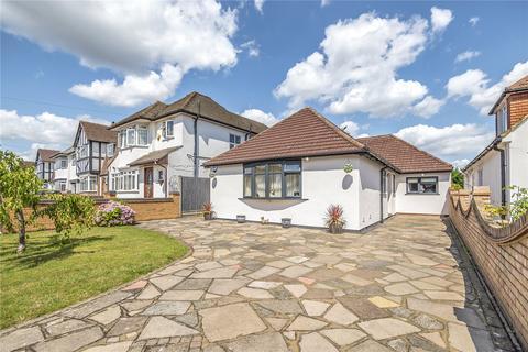 3 bedroom bungalow for sale - Tudor Way, Hillingdon, Middlesex, UB10