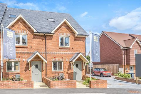 3 bedroom end of terrace house for sale - Upper Hale Road, Farnham, Surrey, GU9