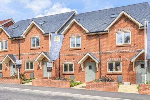 3 bedroom terraced house for sale - Upper Hale Road, Farnham, Surrey, GU9