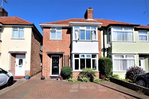 3 bedroom semi-detached house for sale - Hastings Road, Colchester