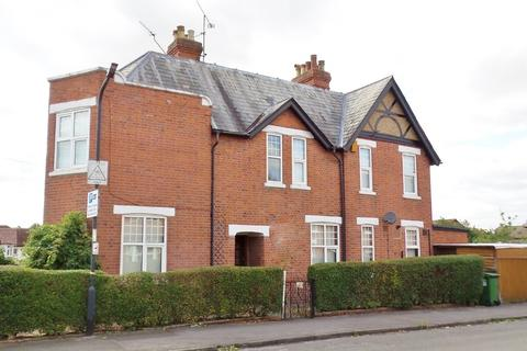 3 bedroom semi-detached house to rent - St. Marks Road, Maidenhead