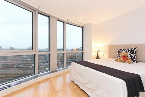 2 bedroom flat for sale - Ontario Tower, 1 Fairmont Avenue, Poplar, Canary Wharf, London, E14 9JD
