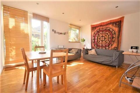 3 bedroom maisonette to rent - Fenwick Place, Clapham North, London, SW9 9NN