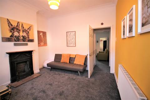 4 bedroom house to rent - Windermere Street, Leicester,