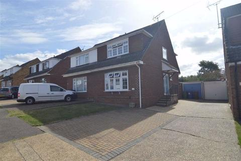 3 bedroom semi-detached house for sale - Edinburgh Avenue, Corringham, Essex