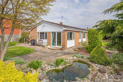4 bedroom detached bungalow for sale - Hawarden Way, Mancot, Deeside