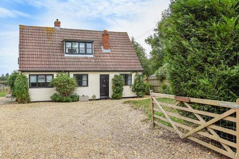 3 bedroom detached house to rent - Crouch Lane, Winkfield, SL4