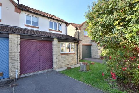 3 bedroom semi-detached house for sale - Minster Close, Bishops Cleeve GL52