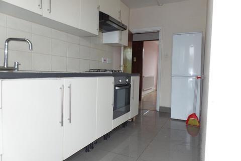 4 bedroom flat to rent - Hertford Road, Enfield EN3
