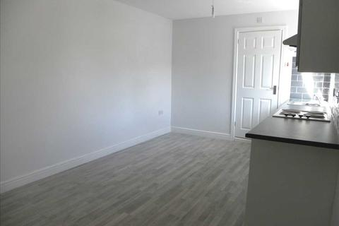Studio to rent - Chalvey Road West, Slough