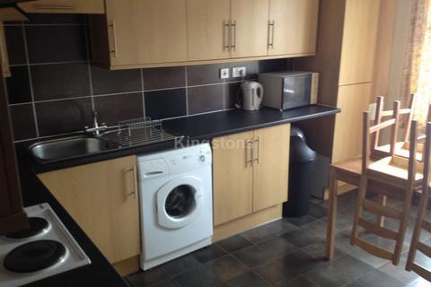 4 bedroom flat to rent - Llanbleddian Gardens, Cardiff, CF24 4AT