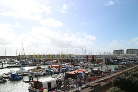 3 bedroom apartment to rent - Copenhagen Court, Brighton Marina Village