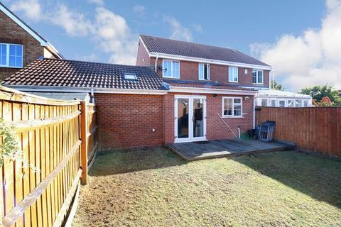 3 bedroom semi-detached house for sale - Blunden Drive - Extended