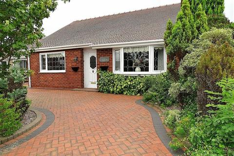 2 bedroom detached bungalow for sale - Cloverfield, Penwortham, Preston
