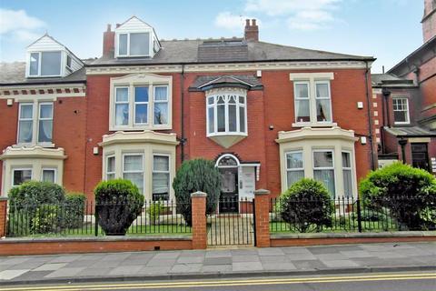 2 bedroom flat for sale - Burnside Court, Whitley Bay