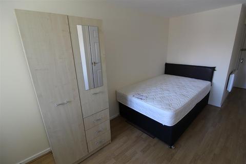 Studio to rent - Bramble Street, Coventry