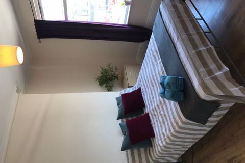 1 bedroom flat share to rent - Barlow Moor Road, Manchester