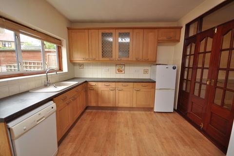 4 bedroom house to rent - Norfolk Road, Upminster