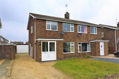 3 bedroom semi-detached house to rent - Exton Close, Stamford