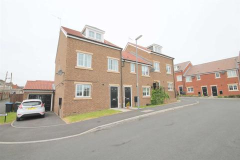 3 bedroom townhouse to rent - Church Square, Brandon