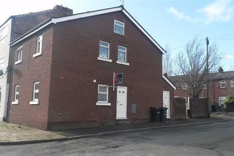 2 bedroom flat to rent - Coronation Street, Macclesfield, Macclesfield