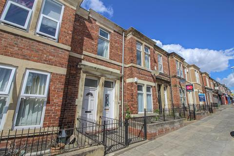 3 bedroom flat for sale - Brinkburn Avenue, Gateshead