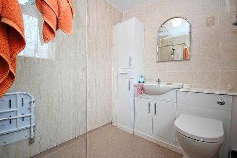 3 bedroom end of terrace house for sale - Lyric Close, Hull