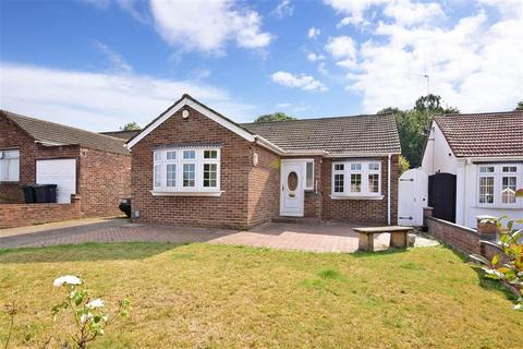 4 bedroom detached bungalow for sale - Summerhouse Drive, Wilmington, Kent
