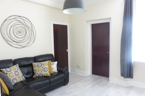 2 bedroom flat to rent - Summerfield Terrace, City Centre, Aberdeen, AB24 5JH