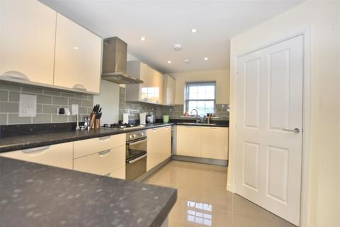 3 bedroom townhouse for sale - Horley, RH6