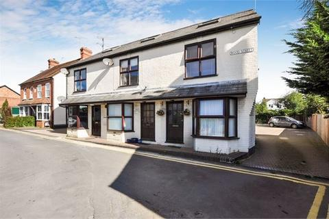 1 bedroom apartment for sale - Styles Court, Wood Street, Waddesdon, Buckinghamshire. HP18 0NN