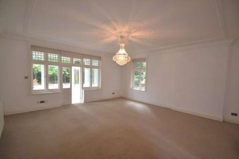 2 bedroom apartment to rent - Downs Avenue, Epsom, KT18 5HL