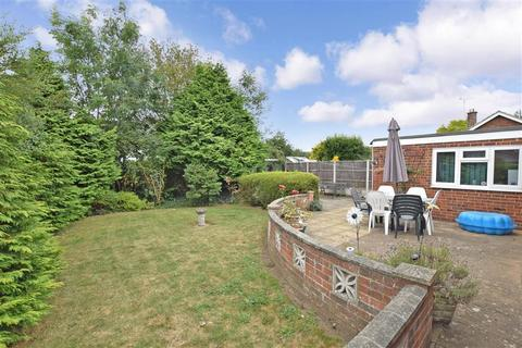3 bedroom detached bungalow for sale - Nursery Avenue, Bearsted, Maidstone, Kent