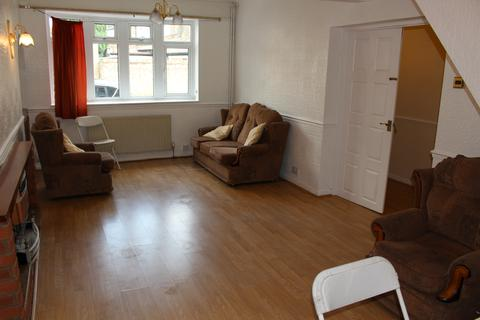 3 bedroom terraced house to rent - POND ROAD, STRATFORD, E15