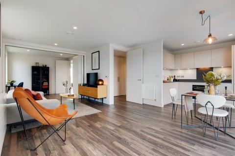 3 bedroom apartment for sale - Moulding Lane London SE14