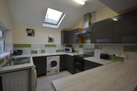 5 bedroom house to rent - 5 bedroom House Student in Port Tennant