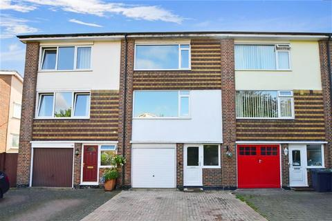 4 bedroom townhouse for sale - Dernier Road, Tonbridge, Kent