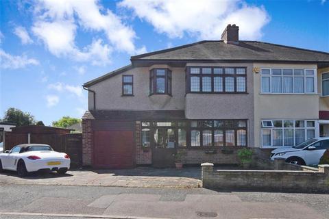 5 bedroom semi-detached house for sale - Beverley Gardens, Hornchurch, Essex