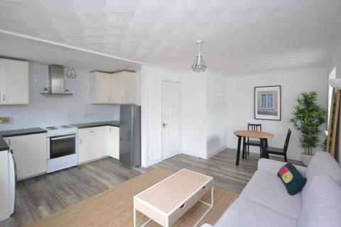 2 bedroom flat to rent - Gallolee, Colinton, Edinburgh, EH13 9QJ