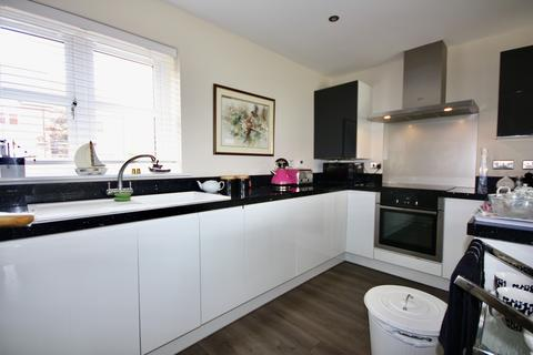 3 bedroom townhouse to rent - Marina Court, Lincoln, Lincolnshire, LN1