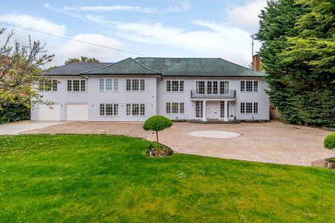 6 bedroom detached house for sale - Linksway, Northwood
