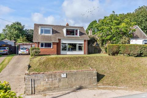 3 bedroom detached house for sale - The street, Guston, Dover