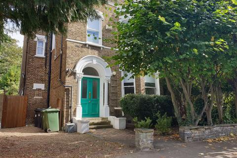 2 bedroom flat to rent - Brockley